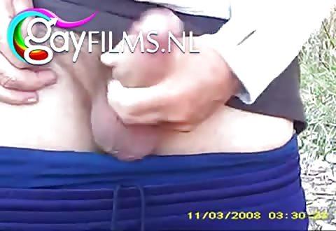 rijpe mountainbiker penetreert jongeman anal