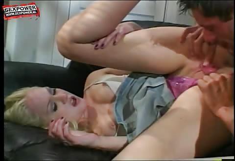 Bruut anal aangeduwd