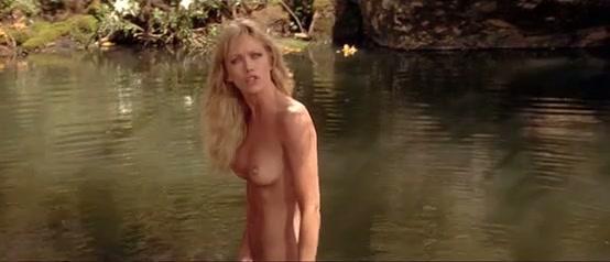 Tanya Roberts in een naakt scene in Sheena