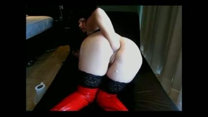 Kinky Duitse milf fist haar eigen anus