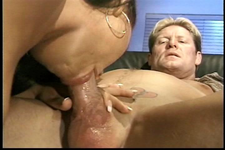 Geef mijn pik een geile zuig beurt dan spuit ik je mondje vol sperma