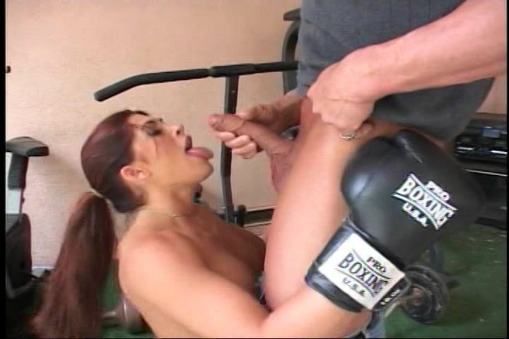 Zijn vrouw gaat vreemd met haar persoonlijke trainer